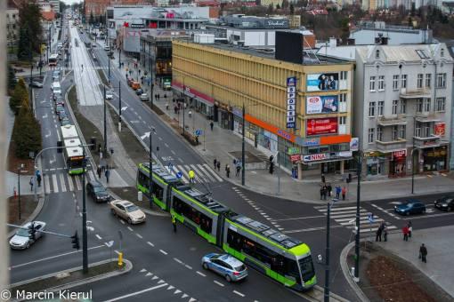 Solaris Tramino Olsztyn S111O #3001 na placu Jana Pawła II podczas przejazdu próbnego (30 listopada 2015)