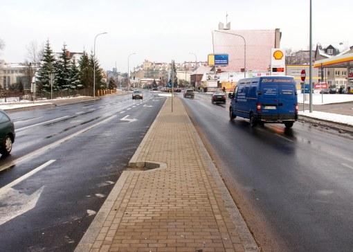 Ulica Wilczyńskiego przy skrzyżowaniu z aleją Sikorskiego i ulicą Płoskiego
