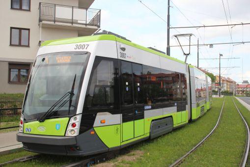 Solaris Tramino Olsztyn S111O #3007 na ulicy Witosa (21 maja 2016)