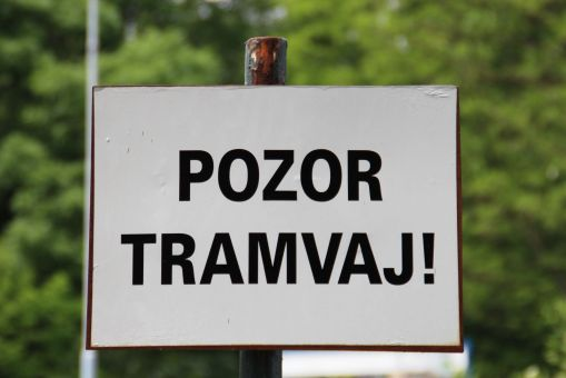 """Uwaga, tramwaj!"""