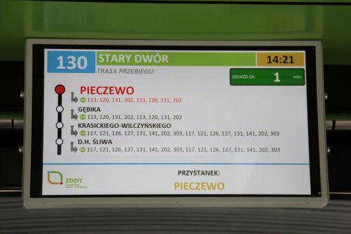 Wyświetlacz wewnętrznego systemu informacji pasażerskiej w olsztyńskim Solarisie Urbino 18 IV