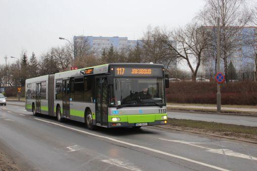MAN A23 #1113 na linii 117 na ulicy Wyszyńskiego (4 marca 2016)