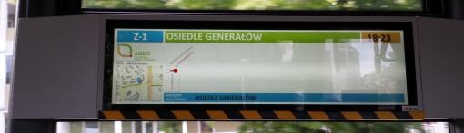 Trasa linii zastępczej Z-1 na wyświetlaczu wewnętrznego systemu informacji pasażerskiej