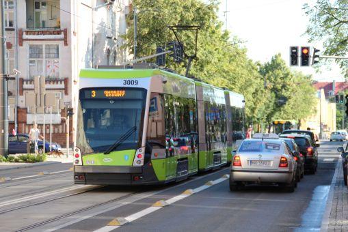 Solaris Tramino Olsztyn S111O #3009 na ulicy Kościuszki (27 czerwca 2016)