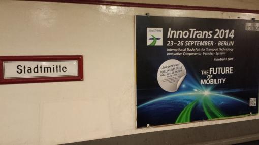 Reklama targów InnoTrans 2014 na berlińskiej stacji metra Stadtmitte