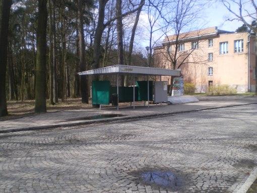 Pętla Jakubowo (12 kwietnia 2015, tuż przed rozebraniem wiaty typu gdańskiego)