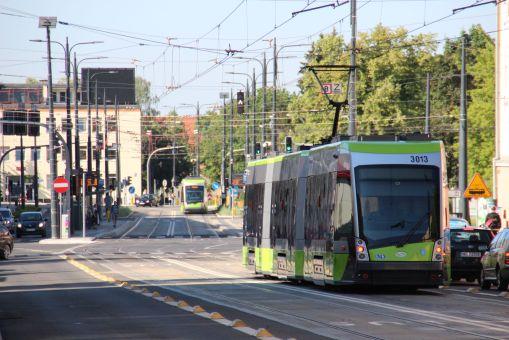 Solaris Tramino Olsztyn S111O #3013 na ulicy Kościuszki (27 czerwca 2016)