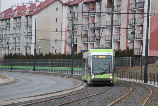 Solaris Tramino Olsztyn S111O #3007 przy ulicy Witosa (4 marca 2016)