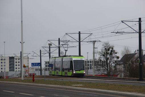 Solaris Tramino Olsztyn S111O #3001 przy ulicy Płoskiego (4 marca 2016)