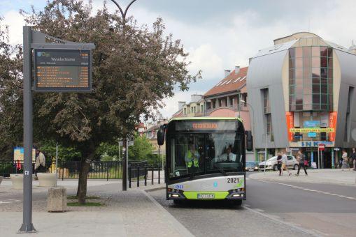 Solaris Urbino IV 18 #2021 na przystanku Wysoka Brama (21 maja 2016)
