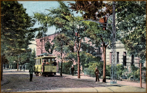 Pocztówka z 1908 roku przedstawiająca tramwaj na ulicy Królewskiej (dziś al. Wojska Polskiego) przy tunelu pod torami kolejowymi