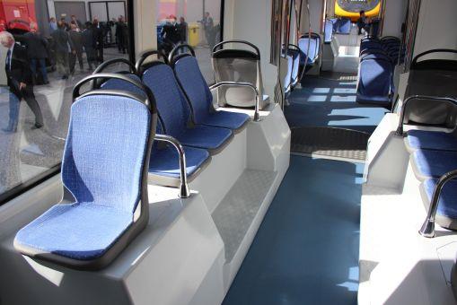 Wnętrze Durmazlara SilkWorm na targach InnoTrans 2012 w Berlinie