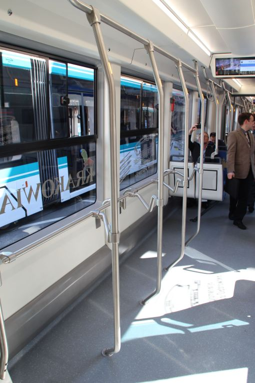 """Wnętrze Pesy Twist 2014N """"Krakowiak"""" wystawianej na targach InnoTrans 2016 w Berlinie"""