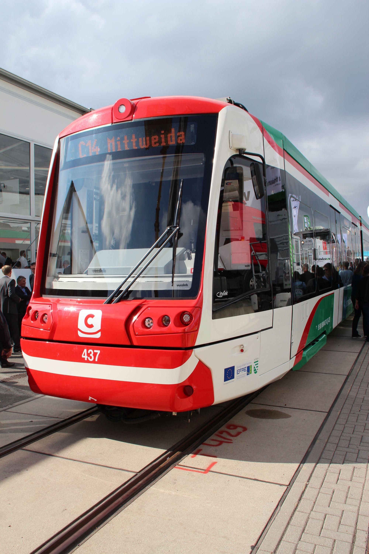 Tramwaj wysokoperonowy (Stadtbahn) Stadler Citylink dla Chemnitz na targach InnoTrans 2016 w Berlinie