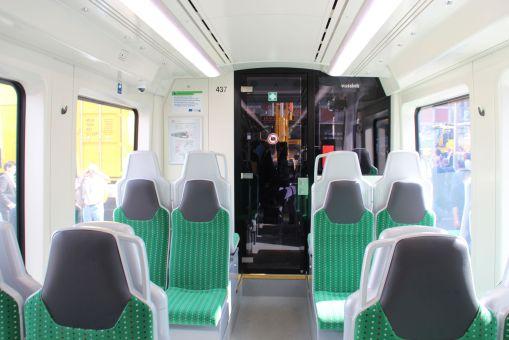 Wnętrze tramwaju wysokoperonowego (Stadtbahnu) Stadler Citylink dla Chemnitz
