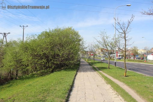 Aleja Sikorskiego na wysokości ogrodów działkowych (29 kwietnia 2012)