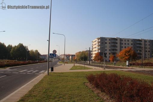Ulica Witosa przy skrzyżowaniu z ulicą Myszki Miki (13 października 2018)