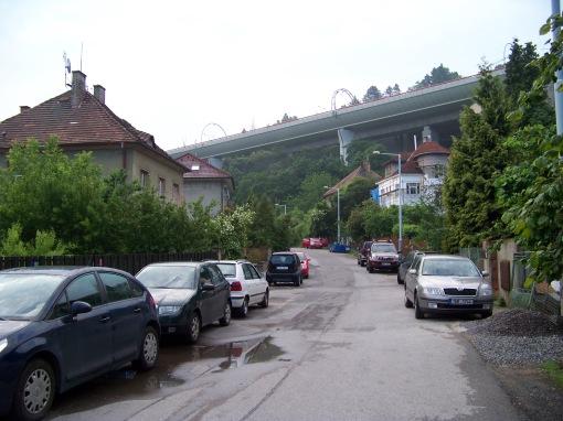 Estakada tramwajowa na Hlubočepach w Pradze