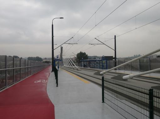 Przystanek Dworzec Płaszów Estakada na estakadzie tramwajowej na Płaszowie (Lipska-Wielicka) w Krakowie