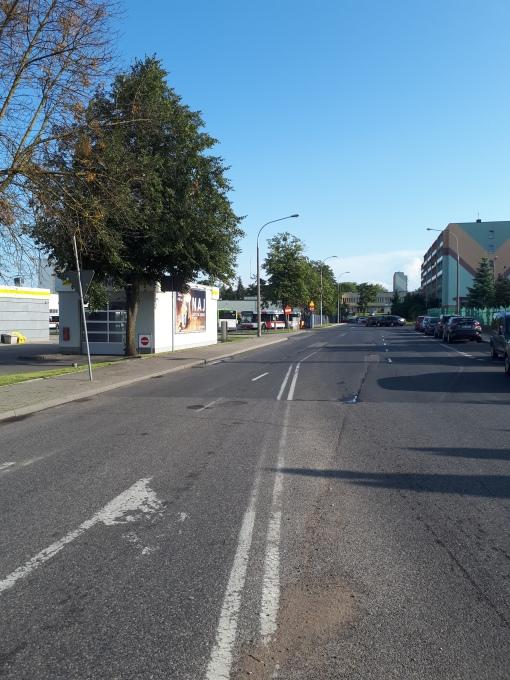 Nowa ulica, którą proponujemy nazwać Tramwajową - biegnące wzdłuż ogrodzenia zajezdni tramwajowej bezimienne dziś przedłużenie ulicy Składowej