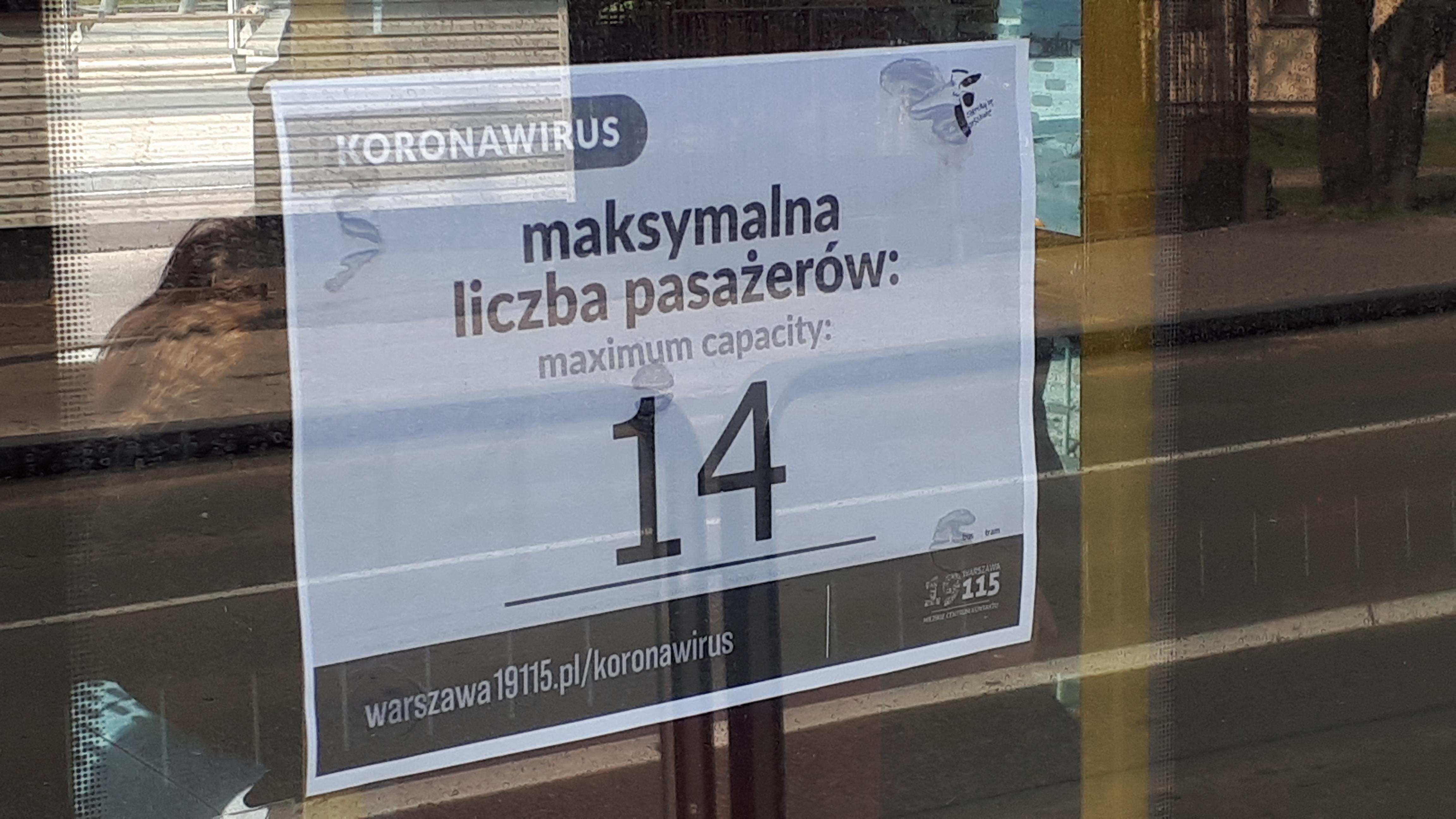 Informacja o ograniczeniu liczby pasażerów w tramwaju (warszawska Pesa Jazz Duo 128N #3632) z powodu koronawirusa (28 marca 2020)