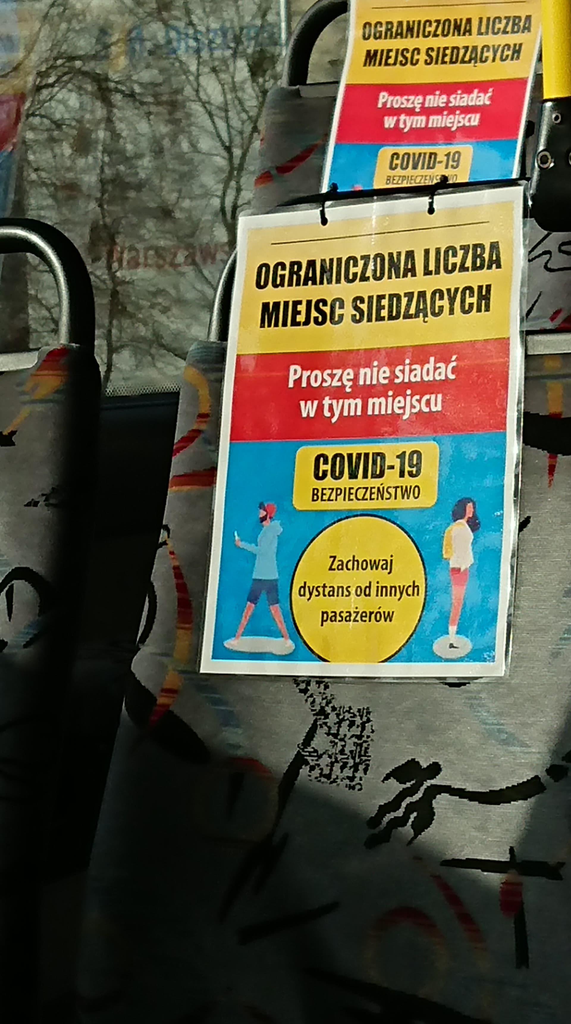 Miejsca siedzące w autobusie (Scania OmniLink CL9 #904) wyłączone z użytkowania z powodu koronawirusa (30 marca 2020)