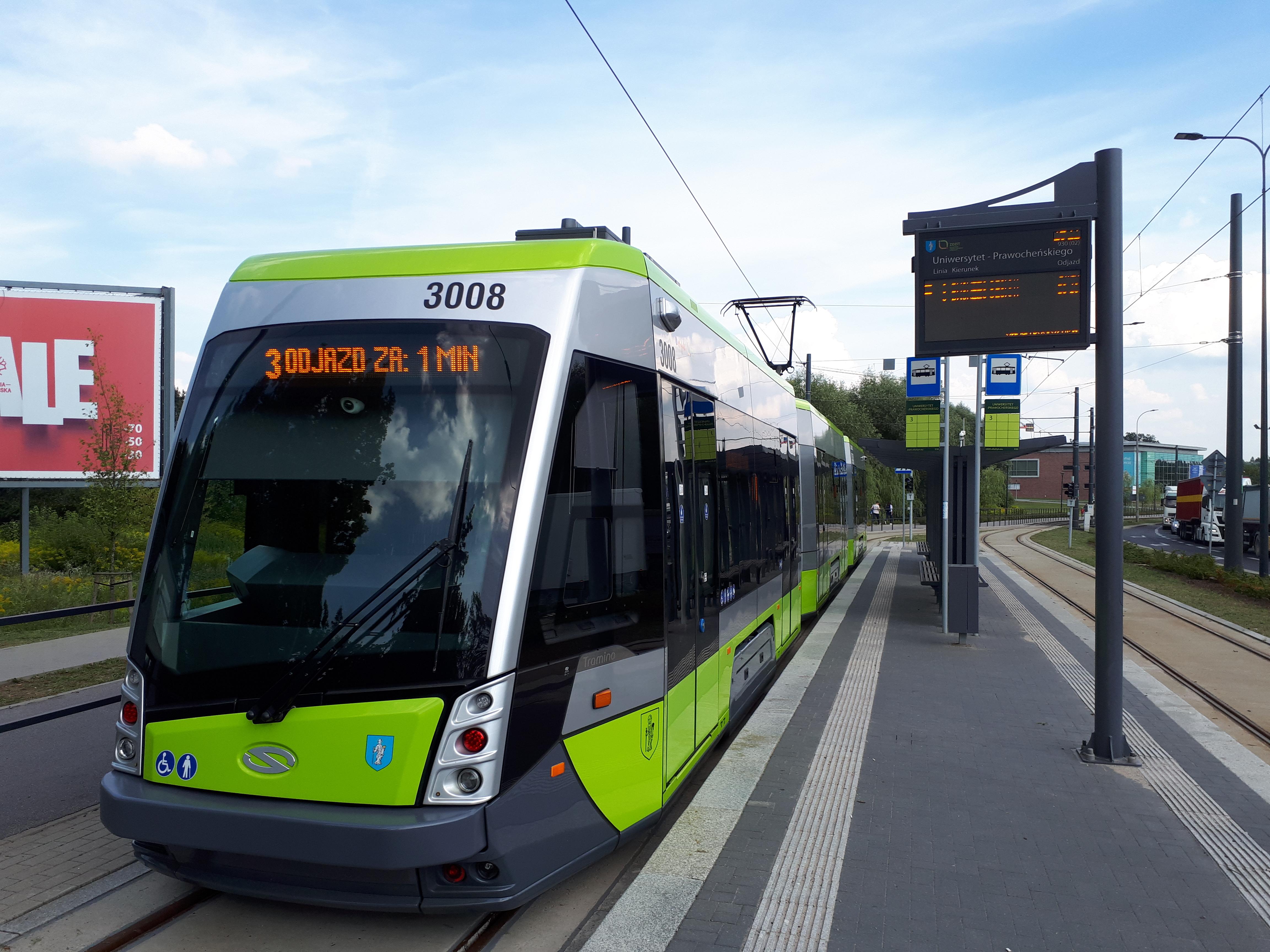 Solaris Tramino Olsztyn S111O #3008 na linii 3 na przystanku końcowym Uniwersytet-Prawocheńskiego (13 sierpnia 2018)