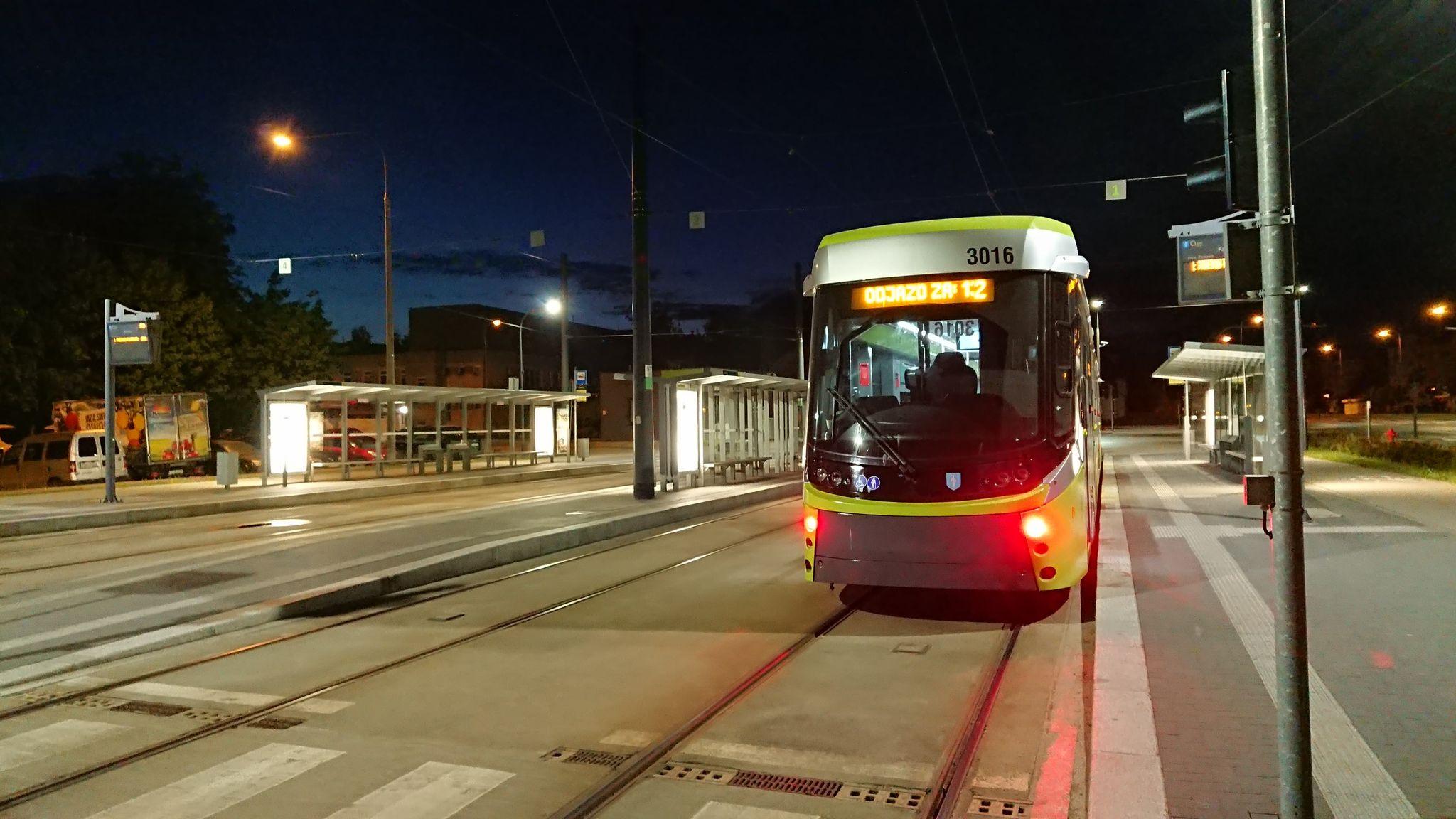 Durmazlar Panorama Olsztyn DRP5H05 #3016 podczas nocnych jazd testowych na przystanku końcowym Kanta (28 maja 2021)
