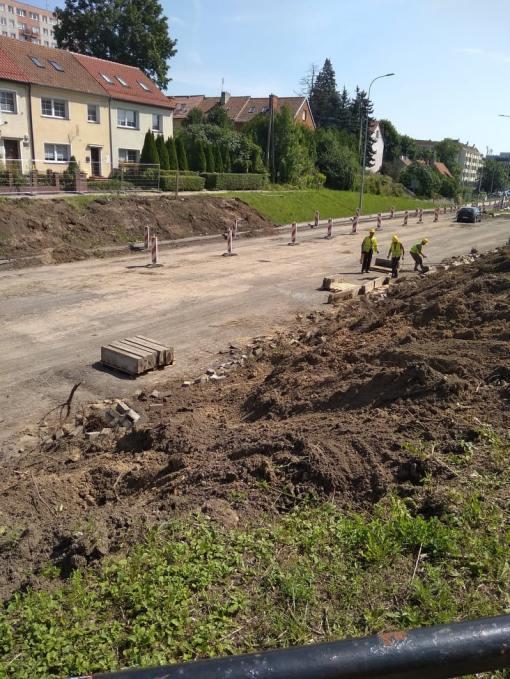 Budowa linii tramwajowej w alei Piłsudskiego, w okolicach placu Daszyńskiego (13 sierpnia 2021)
