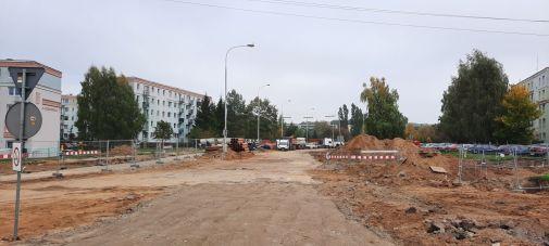 Budowa linii tramwajowej w ulicy Wilczyńskiego, w okolicach skrzyżowania z ulicą Krasickiego (2 października 2021)