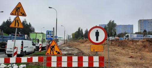 Budowa linii tramwajowej w ulicy Wyszyńskiego, między ulicami Żołnierską i Pstrowskiego (2 października 2021)